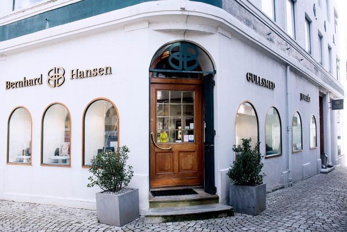 "Featured image for ""Gullsmed Bernhard Hansen"""