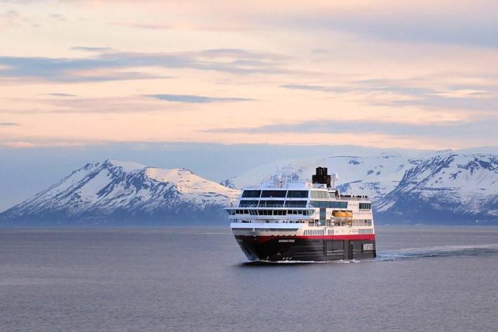 "Featured image for ""Hurtigruten"""